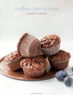 Muffiny czekoladowe z nutellą i śliwkami węgierkami