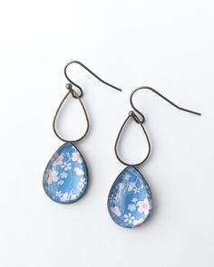 These lovely teardrop shapes are the most popular in my range. They are made of brass that has been darkened to an antique finish. They hang from brass ear hooks.The teardrop is x and. Glass Earrings, Teardrop Earrings, Earrings Handmade, Handmade Jewelry, Sea Jewelry, Color Pop, Jade, Fashion Jewelry, Jewelry Design