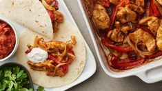 Easy Oven-Baked Chicken Fajitas Recipe from Old El Paso Easy Oven Baked Chicken, Baked Chicken Fajitas, Chicken Fajita Recipe, Chicken Recipes, Chicken Tacos, Teriyaki Chicken, 500 Calories, Mexican Food Recipes, Dinner Recipes