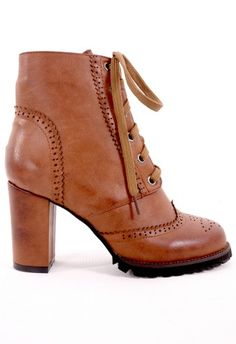 Retro Lace-Up Heeled Boot in Camel