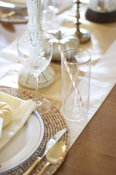 Pretty ideas for Thanksgiving tablescape with gold touches from The Inspired Room