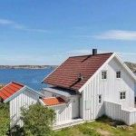 Small Coastal Cottage in Sweden 001