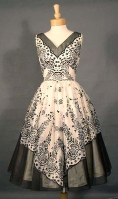 Vintage Clothing, Costume Jewelry, Fashion Accessories VINTAGEOUS.COM