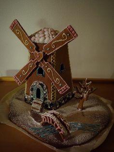 Tuulimylly piparkakkutalo Windmill gingerbread house