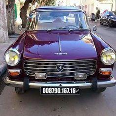 سيارة #بيجو_404 العتيقة في #الجزائر #automobile #peugeot #peugeot404 #algeria #algerie #oldcars #cars #anciennesvoitures #ancien #old