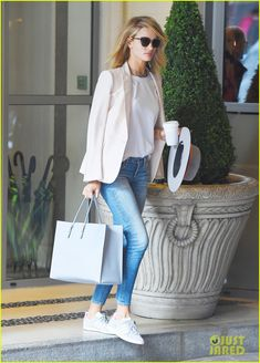 rosie huntington whiteley secret project 03 Rosie Huntington-Whiteley leaves her hotel looking street chic in a blazer and jeans on Thursday (June 30) in London, England. The 28-year-old model and actress…