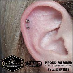 Flat Helix Piercings 100 Ideas Piercings Helix Piercing Piercing