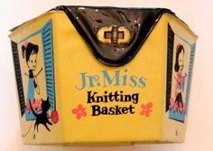 Very Scarce 1950's Jr. Miss Knitting Basket complete tools yarn instructions vinyl case