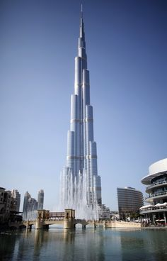 Vista general del Burj Khalifa, el más alto edificio en el mundo, se ubica en Dubai. REUTERS