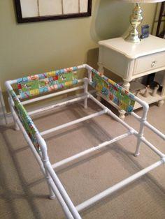 Frame for toddler pvc bed Pvc Pipe Crafts, Pvc Pipe Projects, Diy Pipe, Home Projects, Pipe Bed, Diy Toddler Bed, Pvc Furniture, Kid Beds, Diy For Kids