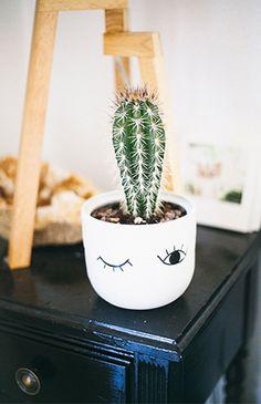 24 Creative and Beautiful Cactus Room Decor https://www.decomagz.com/2017/11/30/24-creative-beautiful-cactus-room-decor/