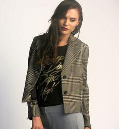 Winter outfit | invierno | Conoce más tendencias en http://www.larcomar.com/blog  | #greypants #greypants #trend2016 #winter2016