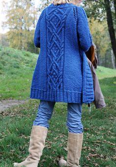 Paid pattern on ravelry €4.50. Such a beautiful cardigan! Splash of Blue pattern by Suvi Simola #knit