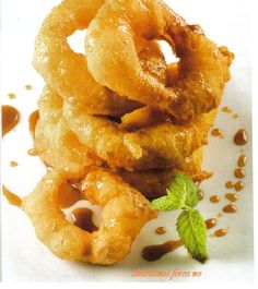 Picarones GASTON ACURIO'S recipe Peruvian Desserts, Peruvian Cuisine, Peruvian Recipes, Top Recipes, Gourmet Recipes, Cooking Recipes, Catering Food, Catering Recipes, American Desserts