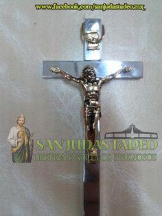 Cruz de Metal Plateada con Cristo Dorado (11x6cm)