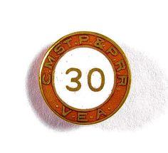 """RAILROAD  ( C.M.ST.P.& P.R.R  )   """"30""""   YEAR  V.E.A.  SERVICE  PIN  - MILW .RD. picclick.com"""