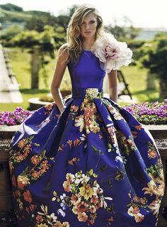 Vestidos de fiesta, vestido estampado con adorno floral en hombro, colección 2016 Matilde Cano