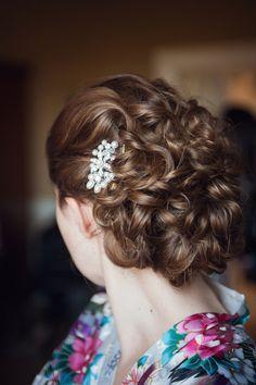 winter wedding hairstyles 12 Romantic Bridal Up Dos Top Wedding Hair Styles 2014 Winter Wedding Hair, Elegant Wedding Hair, Wedding Updo, Light Wedding, Timeless Wedding, Timeless Elegance, Wedding Attire, Wedding Dress, Bun Hairstyles