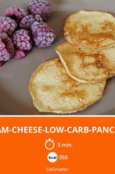 Cream-Cheese-Low-Carb-Pancakes - smarter - Kalorien: 350 Kcal - Zeit: 5 Min. | eatsmarter.de