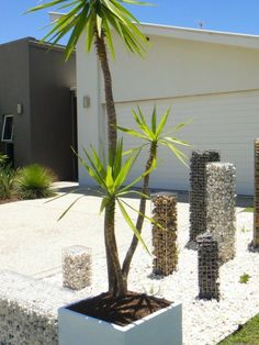 gabion-garden-feature-urban-kubez-towers-of-stone