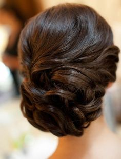 Beautiful swirly up-do | bridal hair | wedding hair ideas | hair styles for brides | brilliant updos