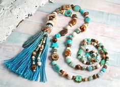 How to Make A Long Beaded Necklace at Home Beaded Statement Necklace, Beaded Necklaces, Bead Studio, Crimp Beads, Bohemian Jewellery, Boho Stil, Handmade Beaded Jewelry, Schmuck Design, Jewelry Shop