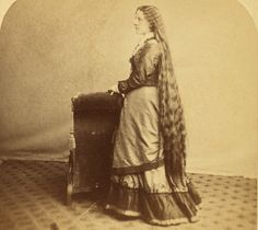 (animated stereo) Lady with long hair by Thiophene_Guy, via Flickr