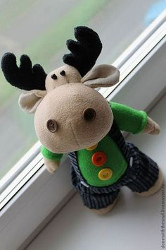 Many people believe that there is a magical formula for home decoration. You do things… Christmas Moose, Christmas Sewing, Felt Christmas, Diy Christmas Gifts, Christmas Tree Ornaments, Christmas Time, Christmas Decorations, Moose Crafts, Felt Animals