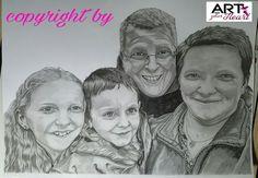 A3 Familienportrait mit Faber-Castell Bleistiften in den Stärken 2H -8B gezeichnet und weißen Edding Lackstift. Auf 190g/qm Papier von Blauer Hahn