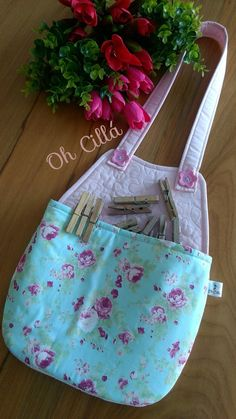 Peg Bag, Sewing Aprons, Bag Patterns To Sew, Purses And Bags, Sewing Projects, Quilts, Tote Bag, Crafts, Vintage
