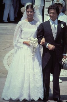 Princess Caroline of Monaco married Philippe Junot in 1979 wearing a lace design by Dior.