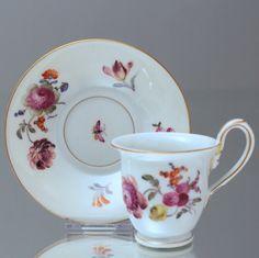 Zürcher Manufaktur um 1790: Mokkatasse mit Blumen, Zürich, Tasse, Klassizismus in Antiquitäten & Kunst, Porzellan & Keramik, Porzellan | eBay