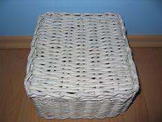 Pletení z papíru II. - vypletené hranaté dno - Tvoření pro radost a potěšení Laundry Basket, Wicker, Organization, Handmade, Home Decor, Getting Organized, Organisation, Hand Made, Decoration Home