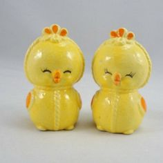 Vintage salt and pepper shakers yellow chicks