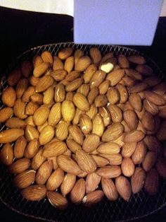 Roasted almonds and walnuts with the Philips AirFryer ~ Wild Child Urban City Phillips Air Fryer, Caneloni Recipe, Nuwave Air Fryer, Actifry Recipes, Air Fried Food, Roasted Walnuts, Air Frier Recipes, Air Fryer Healthy, Air Frying