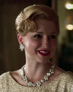 Mad Men designer Janie likes Trifari...as seen on this character from Season 1.