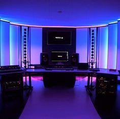 Nicky romero's studio