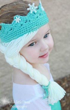 Elsa Crown with Hair [Free Crochet Pattern] Hats for girls Elsa Crown w. Elsa Crown with Hair [Free Crochet Pattern] Hats for girls Elsa Crown with Hair Free Croch Crochet Gratis, Crochet Amigurumi, Free Crochet, Knit Crochet, Crochet Mittens, Crochet Baby Hats, Crochet Beanie, Crochet For Kids, Frozen Crochet Hat