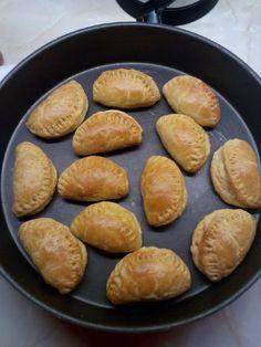 (2) Τυροπιτάκια κουρού της πεθεράς συνταγή από Elenalda82 - Cookpad Pretzel Bites, Hamburger, Favorite Recipes, Bread, Food, Brot, Essen, Baking, Burgers