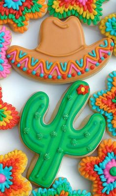 Fiesta Cactus and Sombrero Cookies Fancy Cookies, Cut Out Cookies, Iced Cookies, Cute Cookies, Royal Icing Cookies, Cupcake Cookies, Sugar Cookies, Deco Cupcake, Macarons