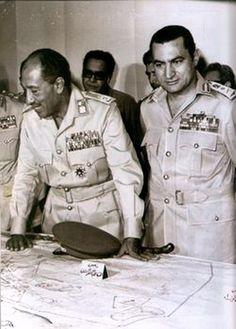 Yom Kippur War, Egyptian president Sadat, donning the field marshal uniform, and Gen. October War, President Of Egypt, Hosni Mubarak, Naher Osten, Psalm 83, The Shah Of Iran, Egyptian Women, Field Marshal, Muslim Brotherhood