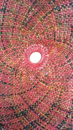 Porahita, Nz flax weaving, House of Harakeke Circular Weaving, Flax Weaving, Paper Weaving, Basket Weaving, Weaving Designs, Weaving Patterns, Finger Weaving, Maori Designs, Art Diary