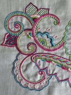 crewel embroidery kits for sale Simple Embroidery, Hand Embroidery Stitches, Silk Ribbon Embroidery, Crewel Embroidery, Embroidery Techniques, Cross Stitch Embroidery, Embroidery Patterns, Machine Embroidery, Learn Embroidery