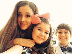 Kids' Choice Awards Ariana Grande Loves The Thundermans Nickelodeon The Thundermans, Kids Choice Awards 2014, Thomas Kuc, Addison Riecke, Victorious Cast, Diego Velazquez, Nickelodeon Shows, Kira Kosarin, E Dawn