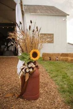 49 Inspiring Fall Porch Decor Ideas For Your Home - Porch Decorating Thanksgiving Decorations, Halloween Decorations, Wedding Decorations, Sunflower Decorations, Decorating With Sunflowers, Outdoor Fall Decorations, Fall Mailbox Decor, Wedding Centerpieces, Fall Yard Decor