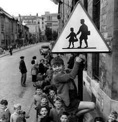 Seguridad vial ante todo por Robert Doisneau