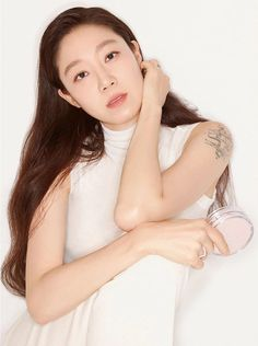 Gong Hyo Jin, Glass Of Milk, Actresses, Beauty, Korean, Style, Female Actresses, Swag, Korean Language