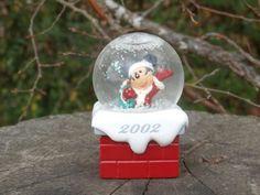 2002 JC Penney Christmas Mickey Mouse Snow Globe, Snowglobe JCPenney Disney