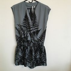 Robbi & Nikki Fern Romper Perfect little romper from robbi & nikki - a Robert Rodriguez label. Blue-gray with unique black fern print. Size XS, will fit XS and S. robbi & nikki Pants Jumpsuits & Rompers