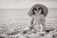 beach baby with sunhat Anderson brown Summer Photography, Children Photography, Newborn Photography, Photography Poses, Baby Beach Pictures, Beach Photos, First Birthday Photos, Birthday Ideas, Cuba